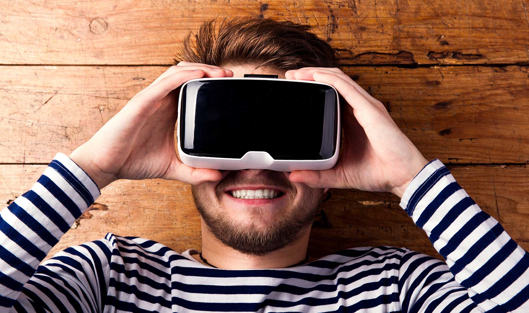 Virtual Reality_385433683_1770x1048px